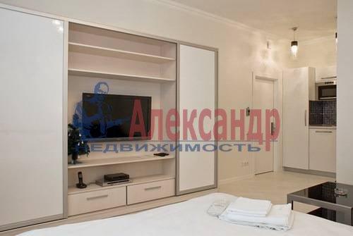 1-комнатная квартира (54м2) в аренду по адресу Всеволода Вишневского ул., 13— фото 1 из 8