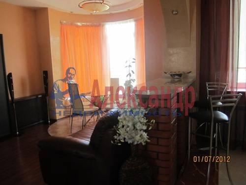 2-комнатная квартира (57м2) в аренду по адресу Композиторов ул., 31— фото 6 из 7