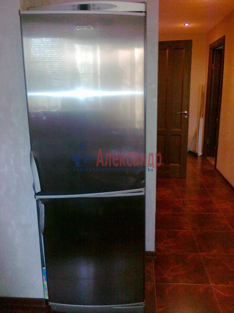 3-комнатная квартира (65м2) в аренду по адресу Дальневосточный пр., 38— фото 3 из 8