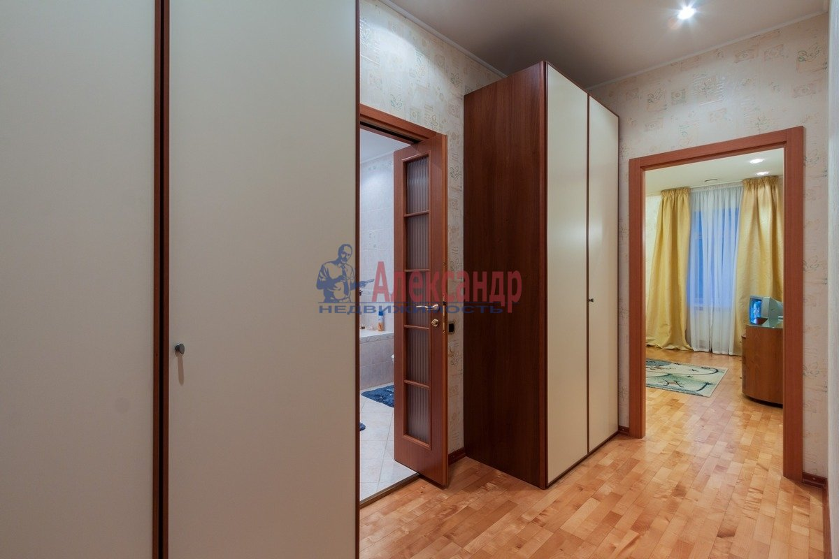 2-комнатная квартира (108м2) в аренду по адресу 3 линия В.О.— фото 4 из 9