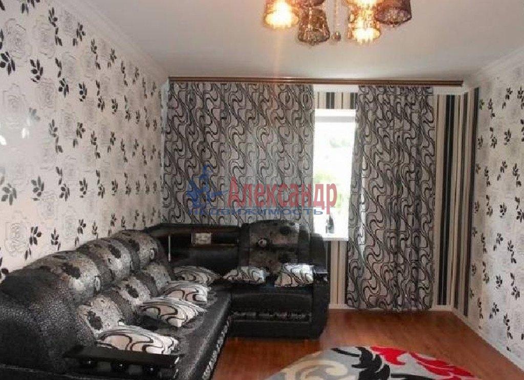 2-комнатная квартира (65м2) в аренду по адресу Бухарестская ул., 118— фото 1 из 3