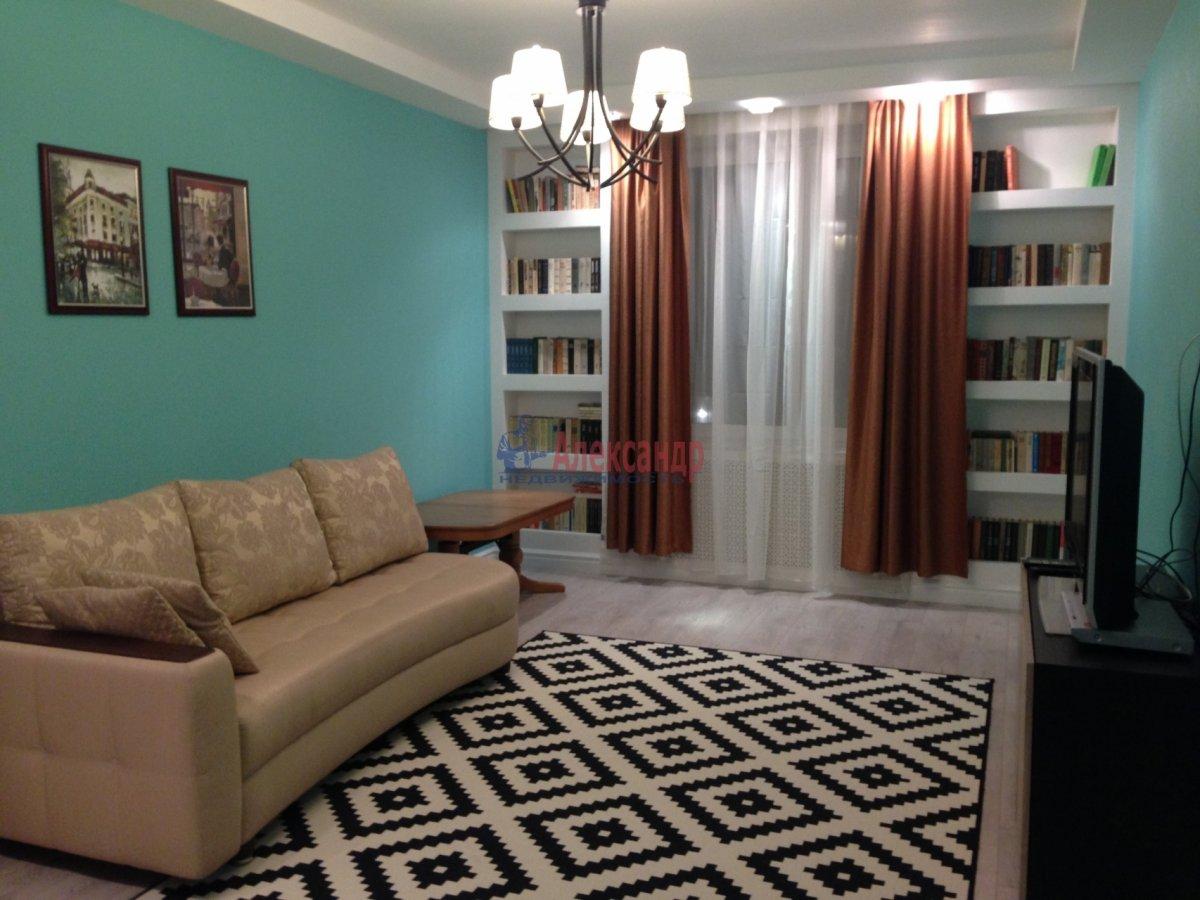 2-комнатная квартира (72м2) в аренду по адресу Кременчугская ул., 9— фото 1 из 13