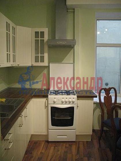 2-комнатная квартира (80м2) в аренду по адресу Канала Грибоедова наб., 10— фото 1 из 3