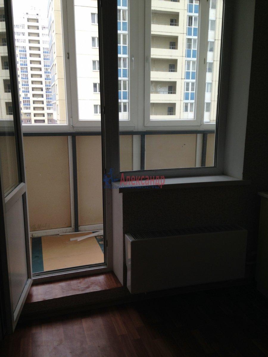 1-комнатная квартира (38м2) в аренду по адресу Героев пр., 24— фото 2 из 6