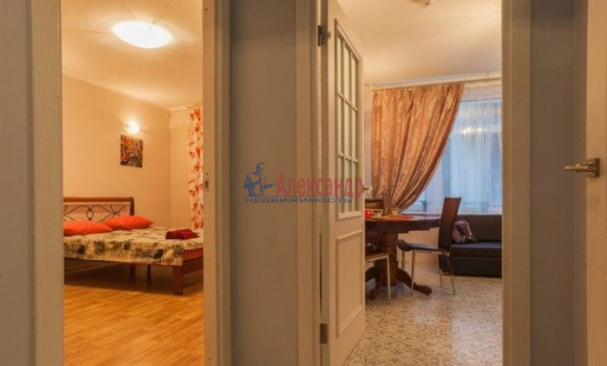 1-комнатная квартира (38м2) в аренду по адресу Солидарности пр., 25— фото 3 из 5