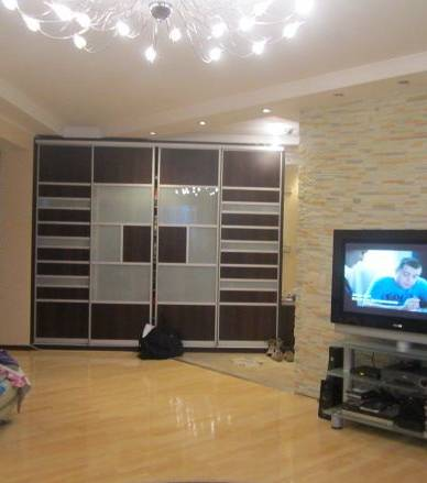 3-комнатная квартира (110м2) в аренду по адресу Кондратьевский пр., 64— фото 2 из 3