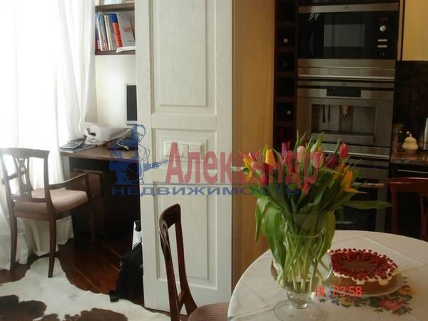 2-комнатная квартира (71м2) в аренду по адресу Морская наб., 21— фото 1 из 6