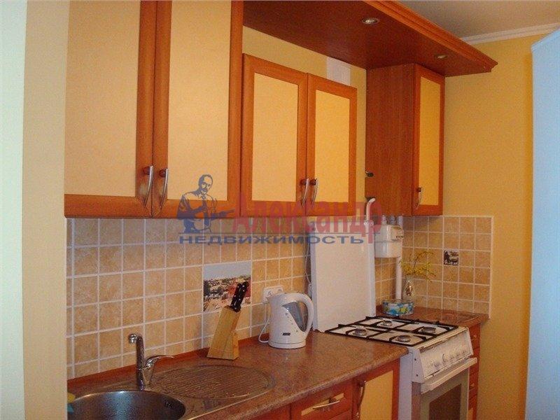 1-комнатная квартира (35м2) в аренду по адресу Брянцева ул., 28— фото 3 из 3