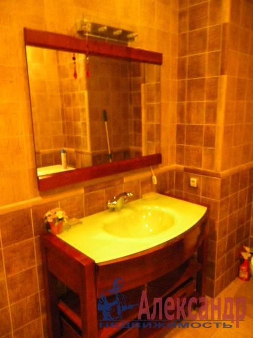 2-комнатная квартира (74м2) в аренду по адресу Декабристов ул., 16— фото 9 из 10