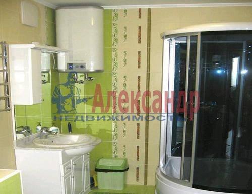 2-комнатная квартира (80м2) в аренду по адресу Английская наб., 32— фото 2 из 6