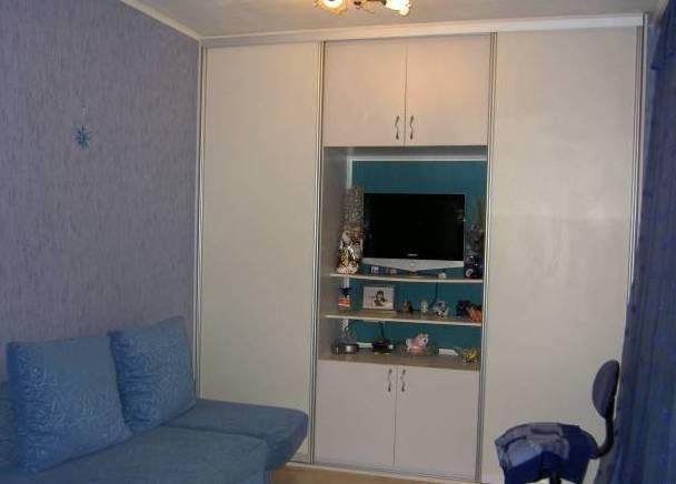 1-комнатная квартира (38м2) в аренду по адресу Науки пр., 42— фото 1 из 3