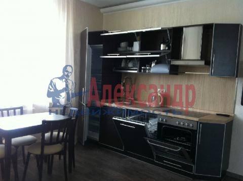 2-комнатная квартира (66м2) в аренду по адресу Кондратьевский пр., 70— фото 1 из 6