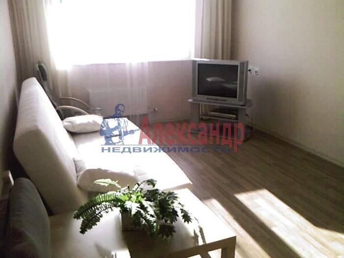 1-комнатная квартира (41м2) в аренду по адресу Комендантский пр., 17— фото 3 из 3