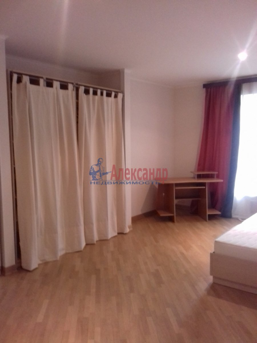 5-комнатная квартира (225м2) в аренду по адресу Чайковского ул., 36— фото 5 из 14