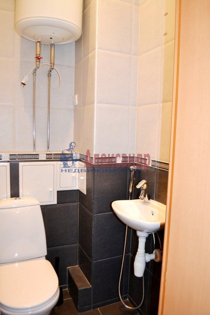 1-комнатная квартира (41м2) в аренду по адресу Шлиссельбургский пр., 24— фото 9 из 11