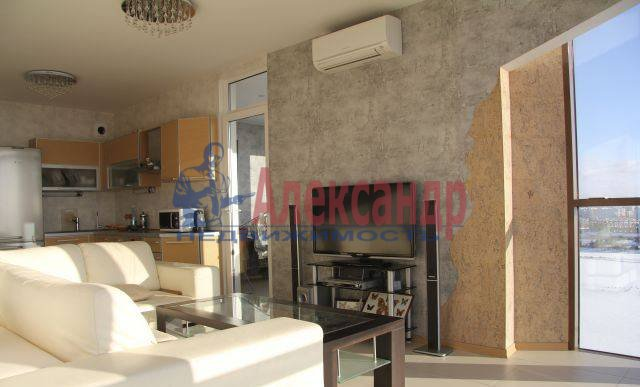 2-комнатная квартира (75м2) в аренду по адресу Приморский пр., 137— фото 4 из 10