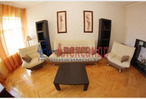 2-комнатная квартира (50м2) в аренду по адресу Радищева ул., 5— фото 2 из 6