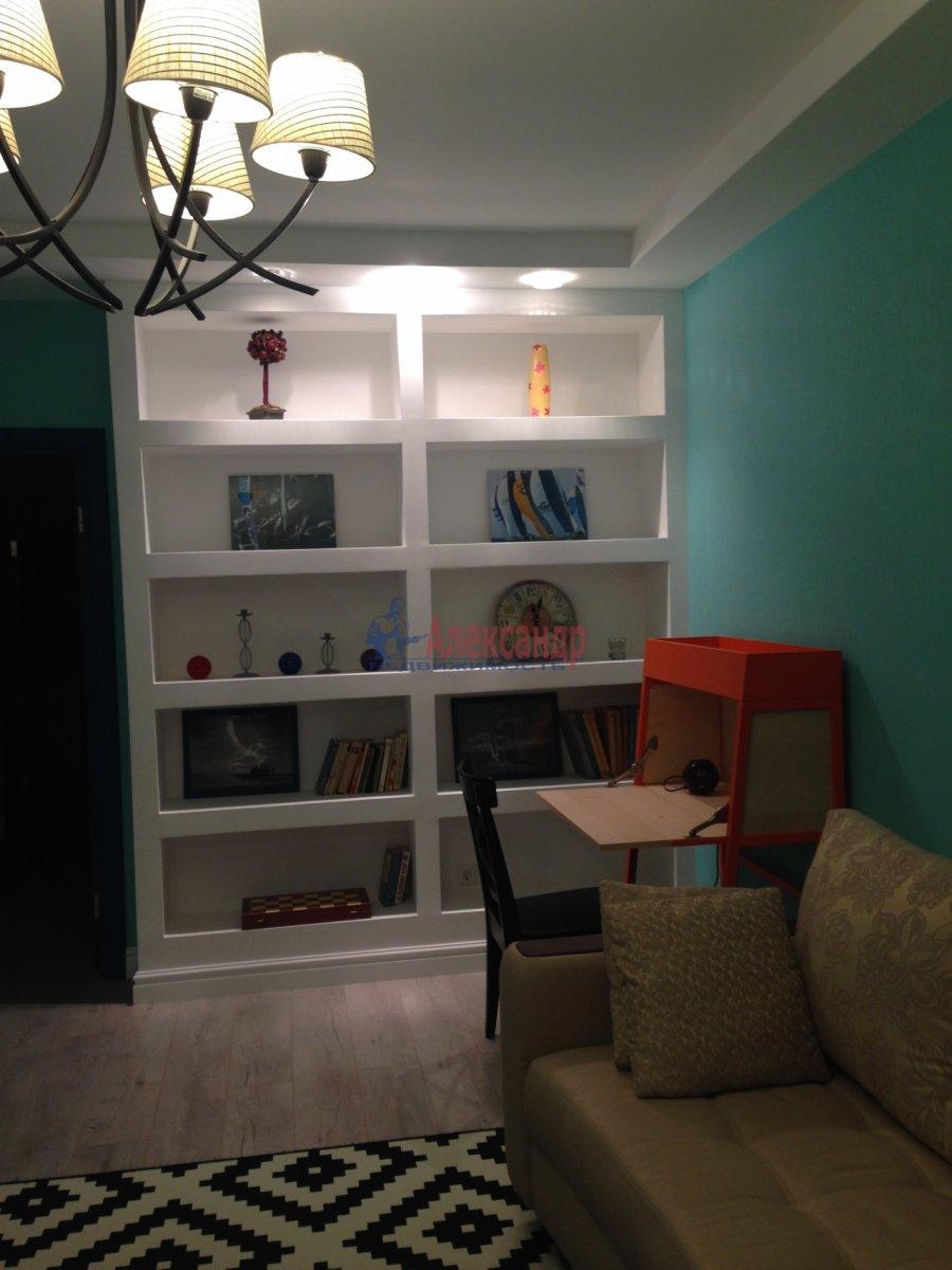 2-комнатная квартира (72м2) в аренду по адресу Кременчугская ул., 9— фото 2 из 13
