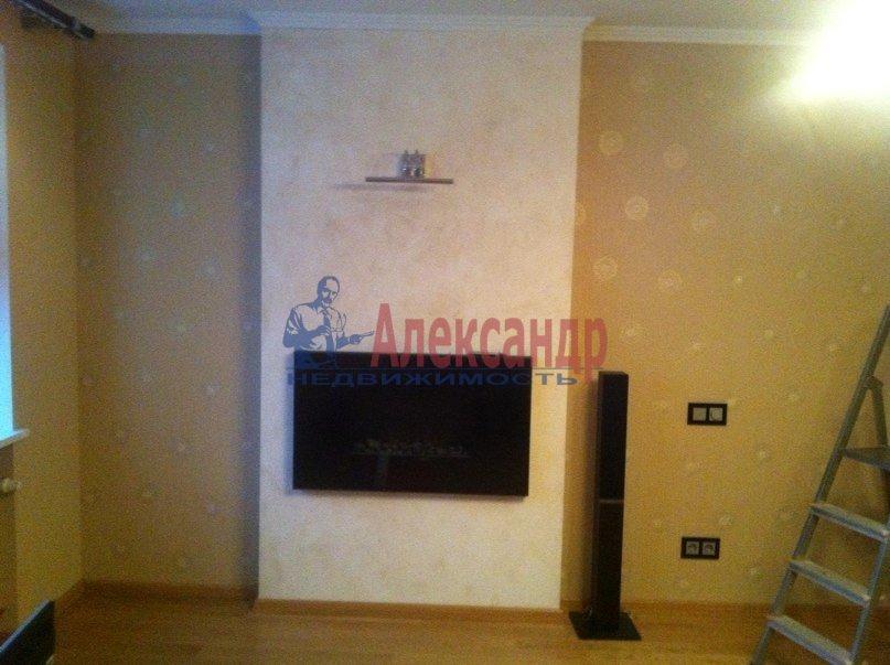 3-комнатная квартира (95м2) в аренду по адресу Стародеревенская ул., 3— фото 3 из 9