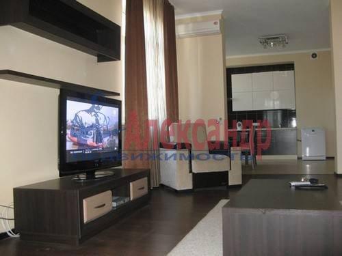 2-комнатная квартира (70м2) в аренду по адресу Варшавская ул., 23— фото 2 из 7