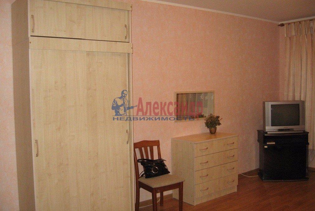 1-комнатная квартира (35м2) в аренду по адресу Морская наб., 23— фото 2 из 6