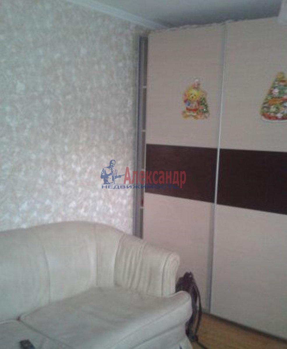 2-комнатная квартира (65м2) в аренду по адресу Школьная ул., 128— фото 2 из 3