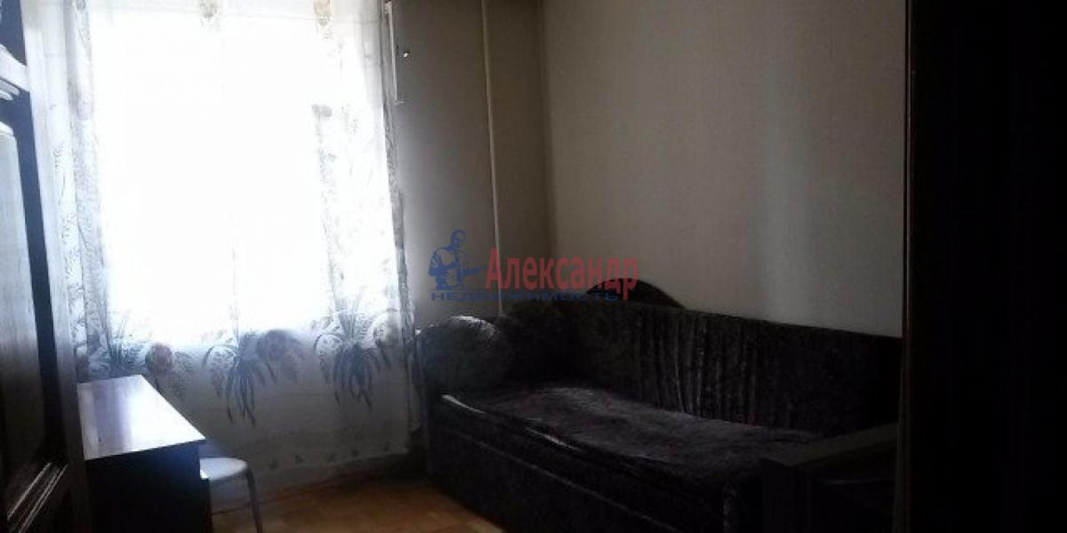 Комната в 3-комнатной квартире (68м2) в аренду по адресу 11 линия В.О., 40— фото 1 из 4