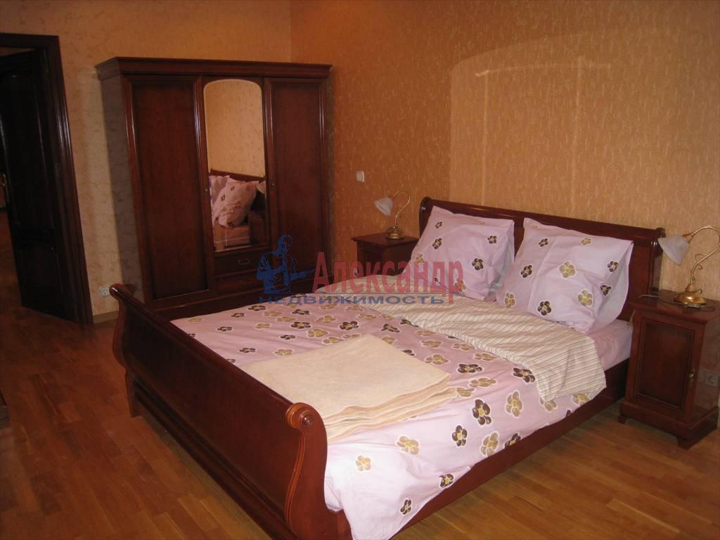 5-комнатная квартира (190м2) в аренду по адресу Мичуринская ул., 4— фото 8 из 12