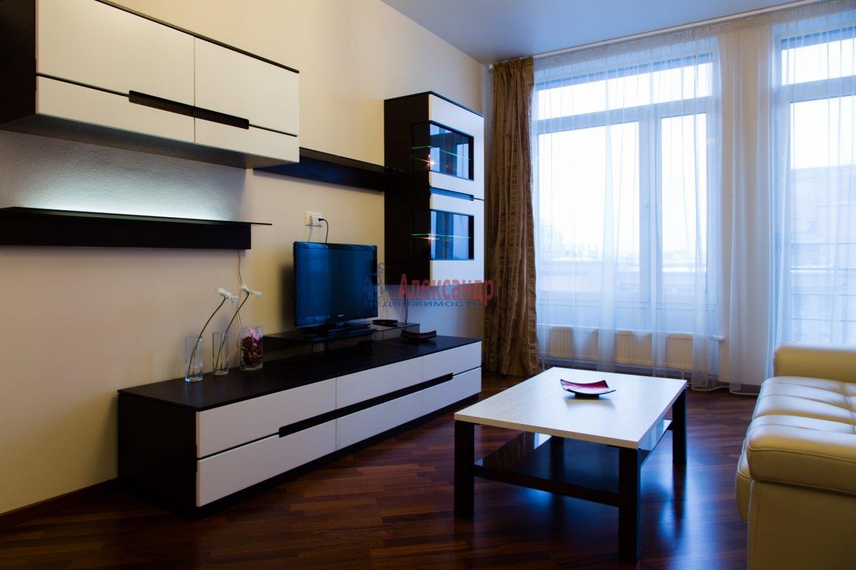 2-комнатная квартира (85м2) в аренду по адресу 26 линия В.О., 15— фото 7 из 16