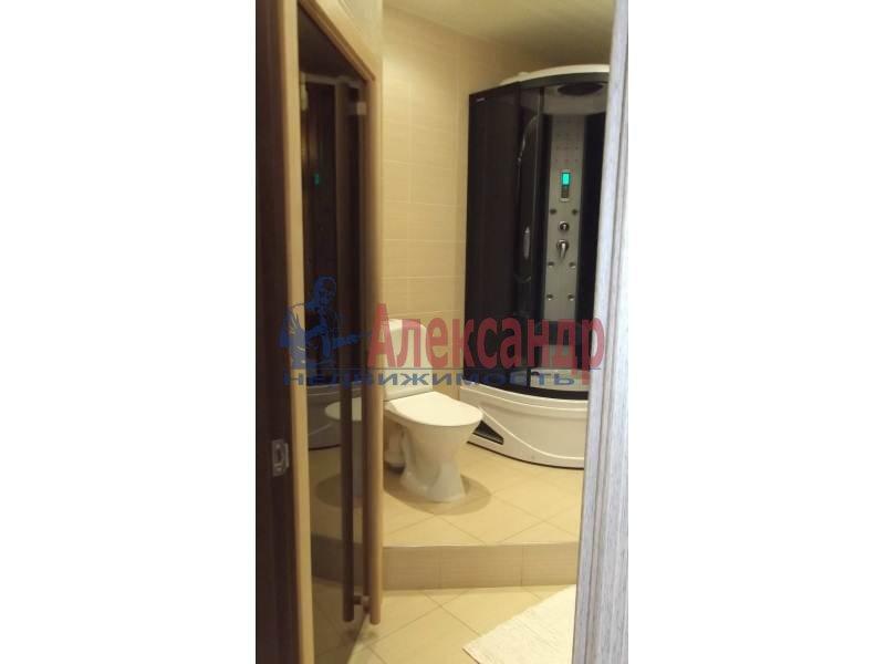3-комнатная квартира (100м2) в аренду по адресу Коломяжский пр., 15— фото 3 из 14