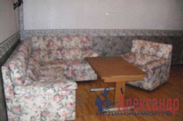 3-комнатная квартира (69м2) в аренду по адресу Дунайский пр., 58— фото 2 из 5
