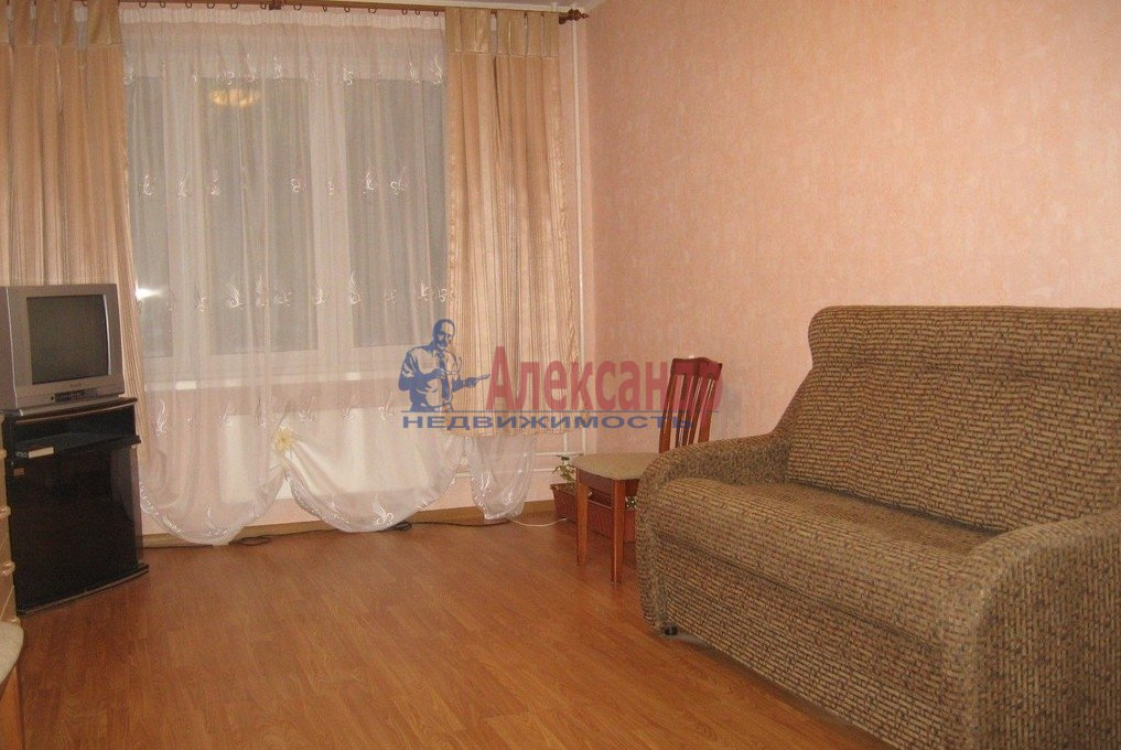 1-комнатная квартира (35м2) в аренду по адресу Морская наб., 23— фото 1 из 6
