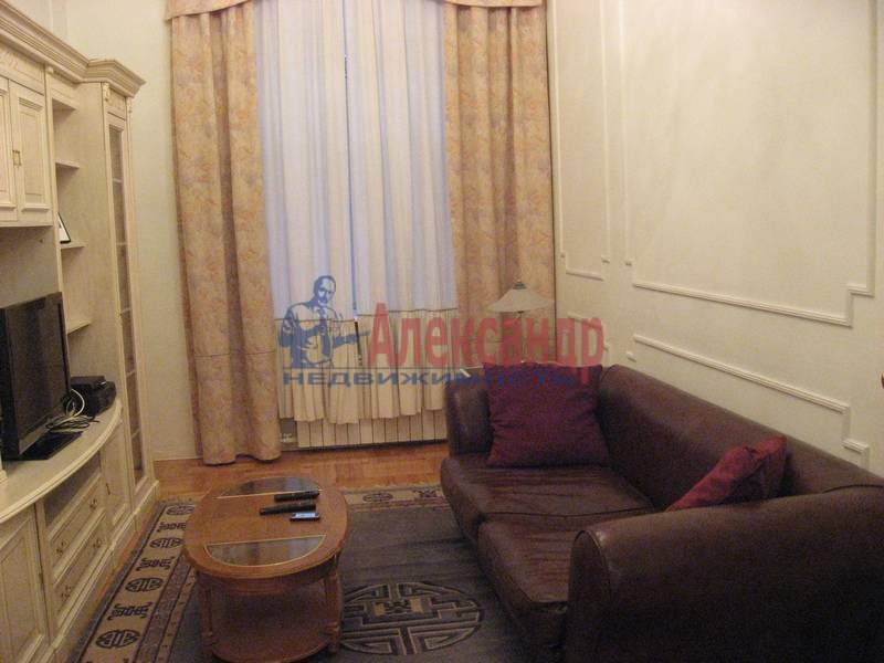 4-комнатная квартира (160м2) в аренду по адресу Рубинштейна ул., 3— фото 21 из 23