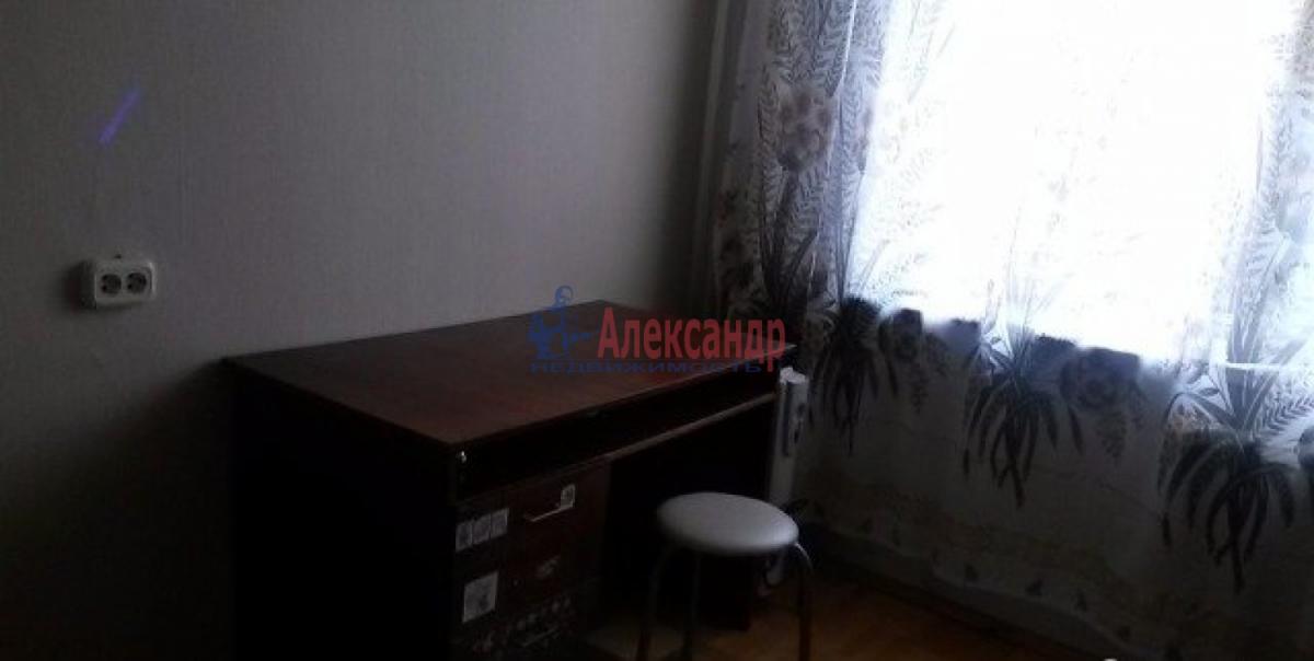 Комната в 3-комнатной квартире (68м2) в аренду по адресу 11 линия В.О., 40— фото 2 из 4