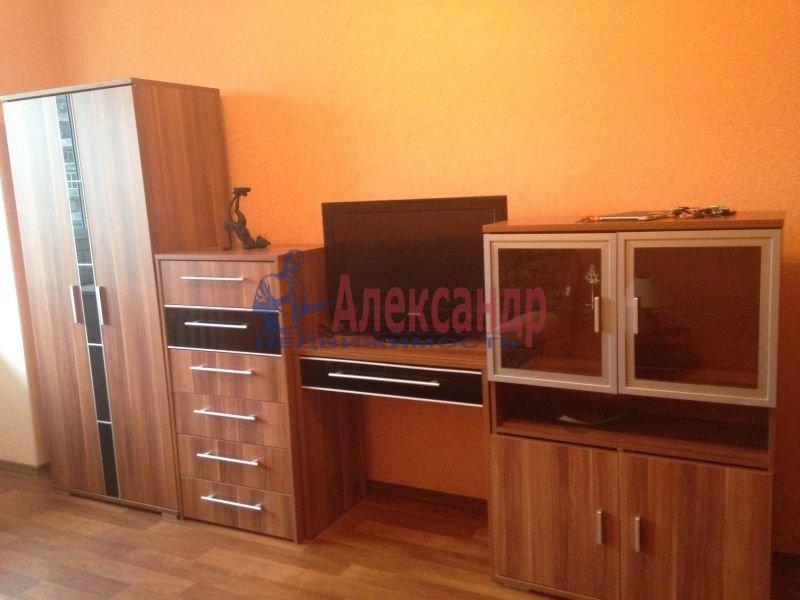 3-комнатная квартира (67м2) в аренду по адресу Серпуховская ул., 6— фото 1 из 2