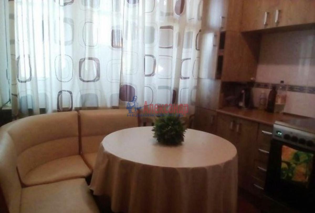 2-комнатная квартира (52м2) в аренду по адресу Ветеранов пр., 114— фото 1 из 6