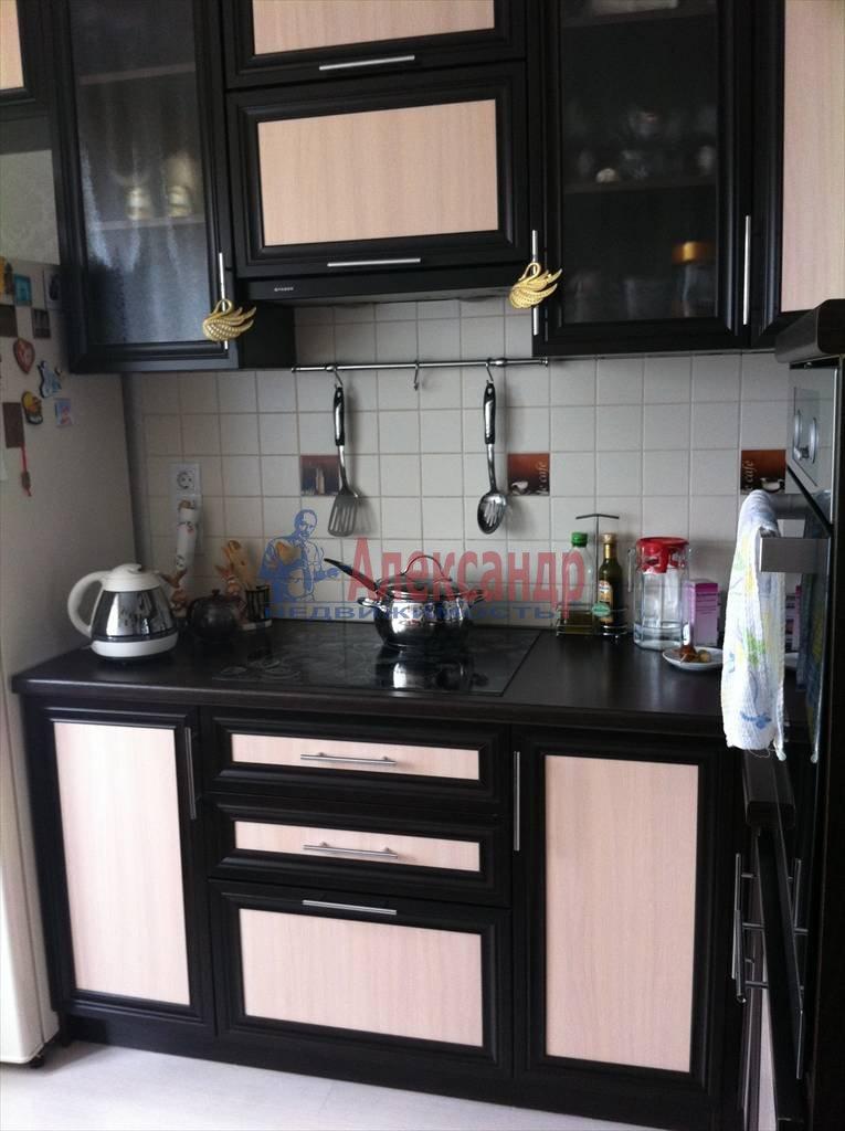 2-комнатная квартира (62м2) в аренду по адресу Бадаева ул., 6— фото 1 из 27