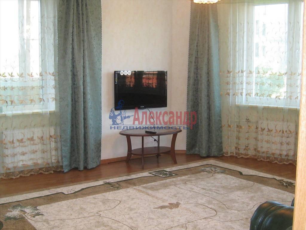 2-комнатная квартира (80м2) в аренду по адресу Вавиловых ул., 7— фото 2 из 7
