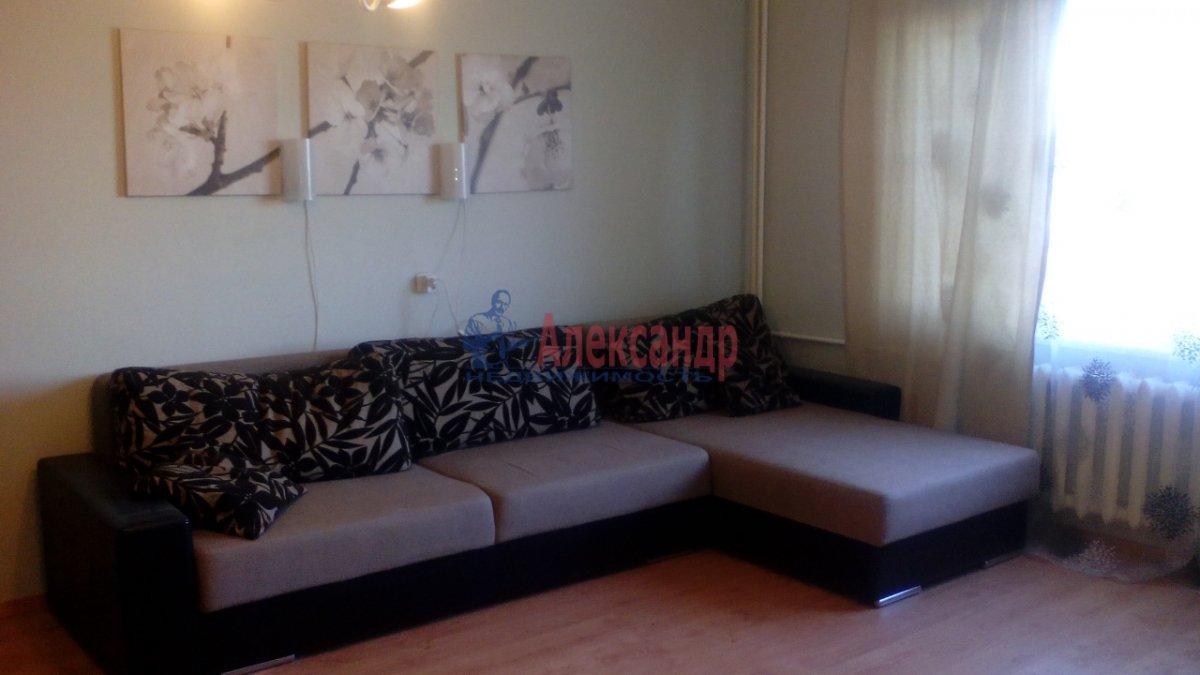 3-комнатная квартира (95м2) в аренду по адресу Большевиков пр., 22— фото 1 из 12