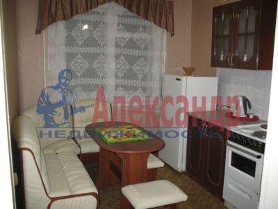 1-комнатная квартира (32м2) в аренду по адресу Решетникова ул., 10— фото 1 из 3