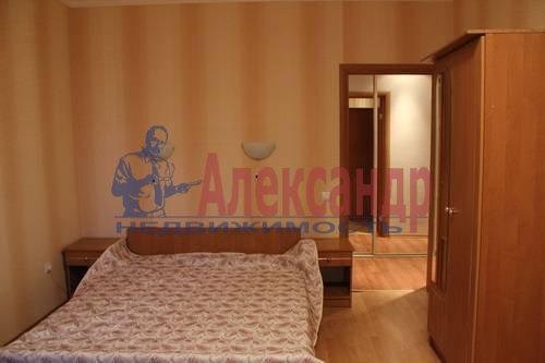 2-комнатная квартира (70м2) в аренду по адресу Просвещения пр., 34— фото 3 из 8