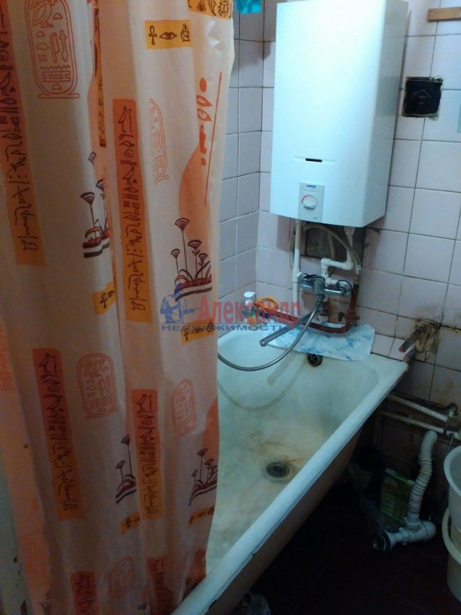 Комната в 2-комнатной квартире (53м2) в аренду по адресу Карташихина ул., 19— фото 8 из 9