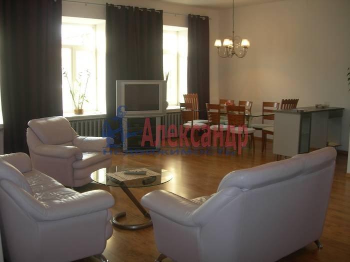 3-комнатная квартира (100м2) в аренду по адресу Союза Печатников ул., 18— фото 2 из 10