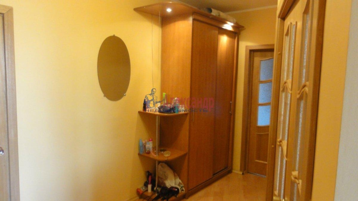 2-комнатная квартира (55м2) в аренду по адресу Маршала Казакова ул., 32— фото 2 из 5
