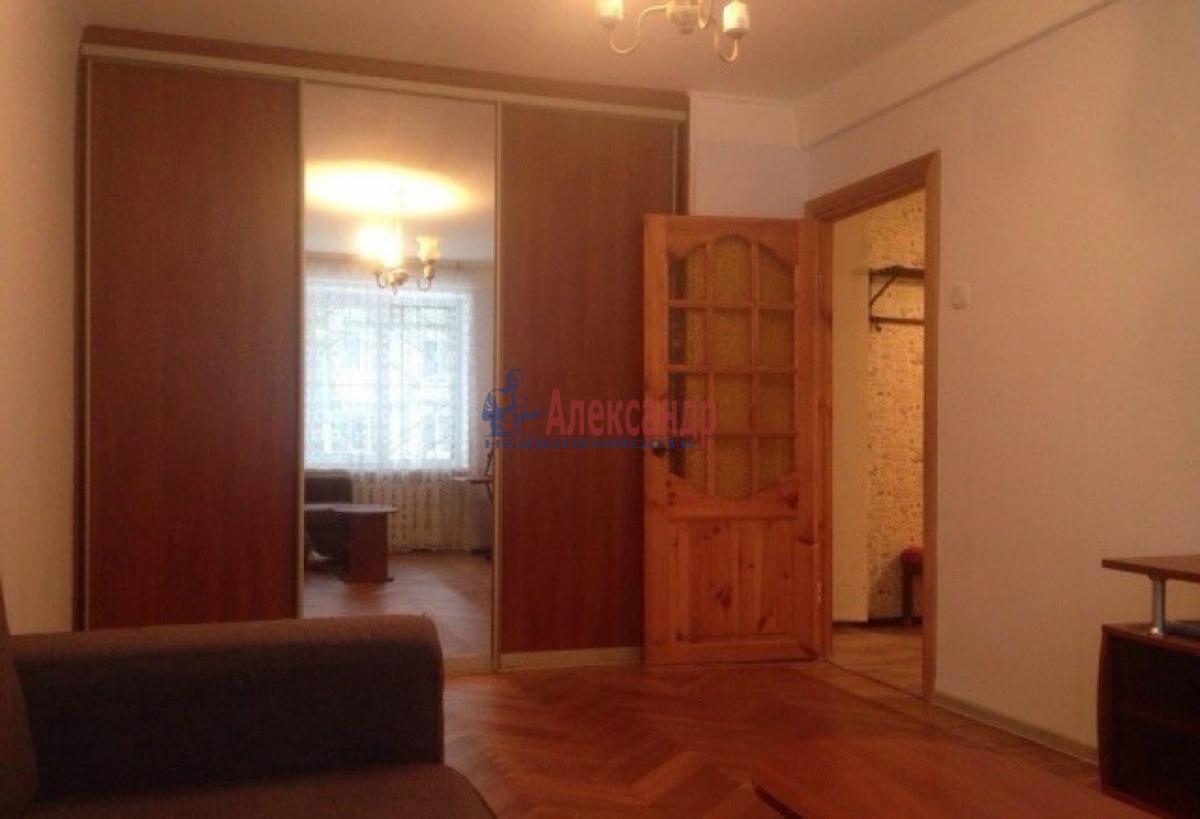 1-комнатная квартира (31м2) в аренду по адресу Ленсовета ул., 74— фото 3 из 10
