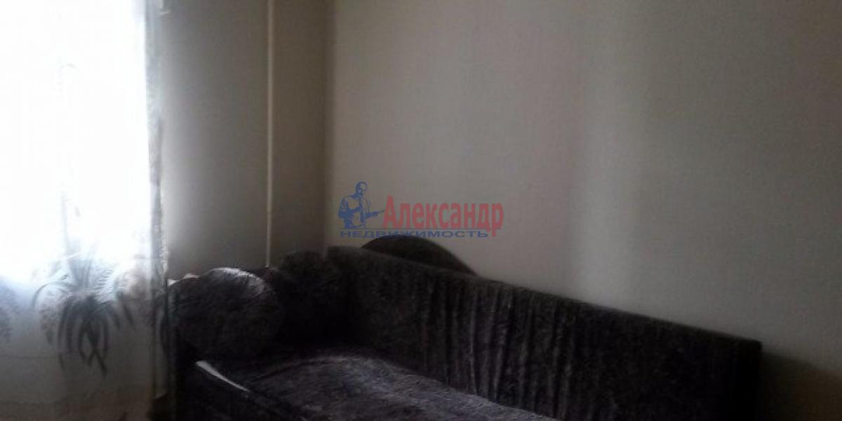 Комната в 3-комнатной квартире (68м2) в аренду по адресу 11 линия В.О., 40— фото 3 из 4