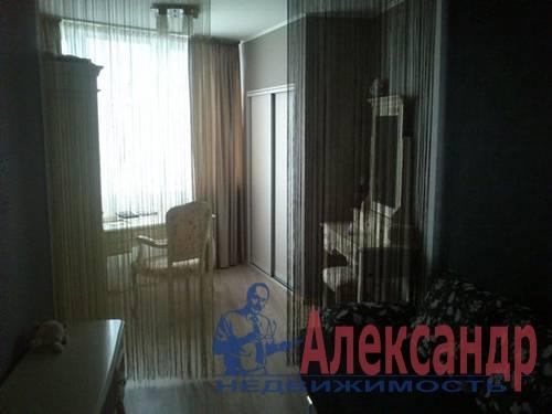 2-комнатная квартира (60м2) в аренду по адресу Ветеранов пр., 75— фото 3 из 5