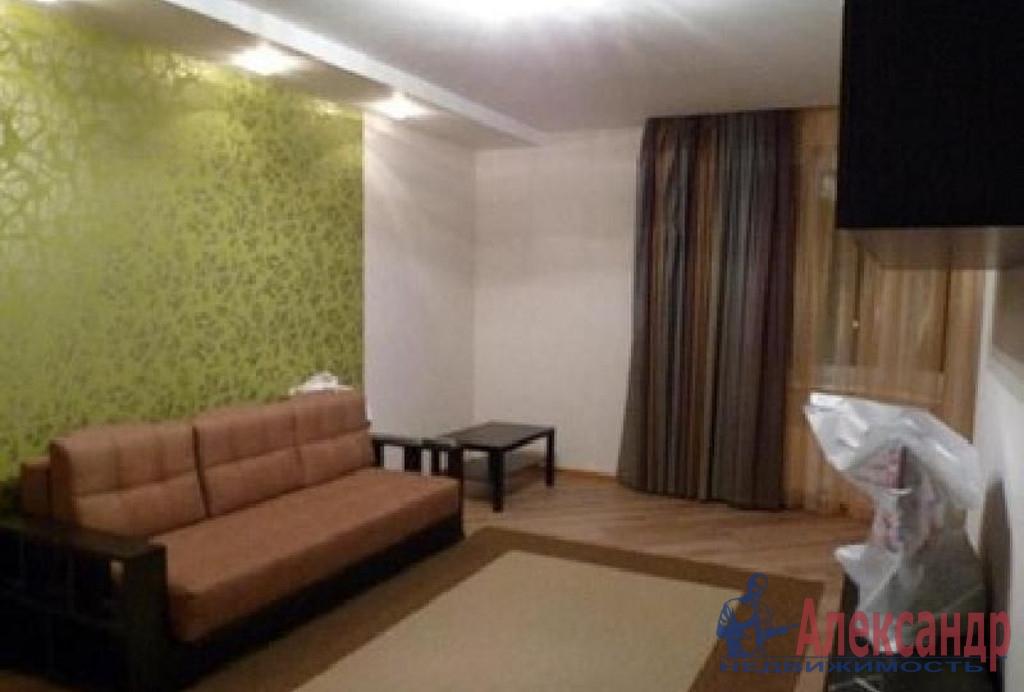 3-комнатная квартира (109м2) в аренду по адресу Исполкомская ул., 3— фото 1 из 4