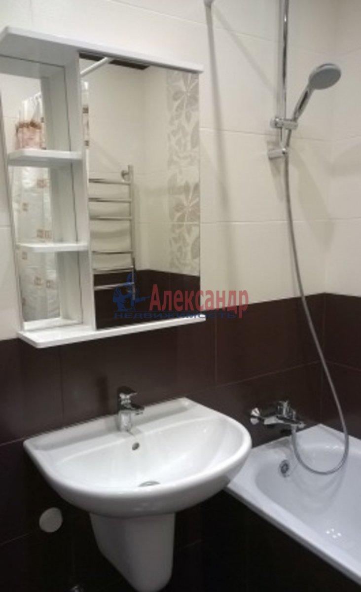 1-комнатная квартира (45м2) в аренду по адресу Кременчугская ул., 9— фото 3 из 3