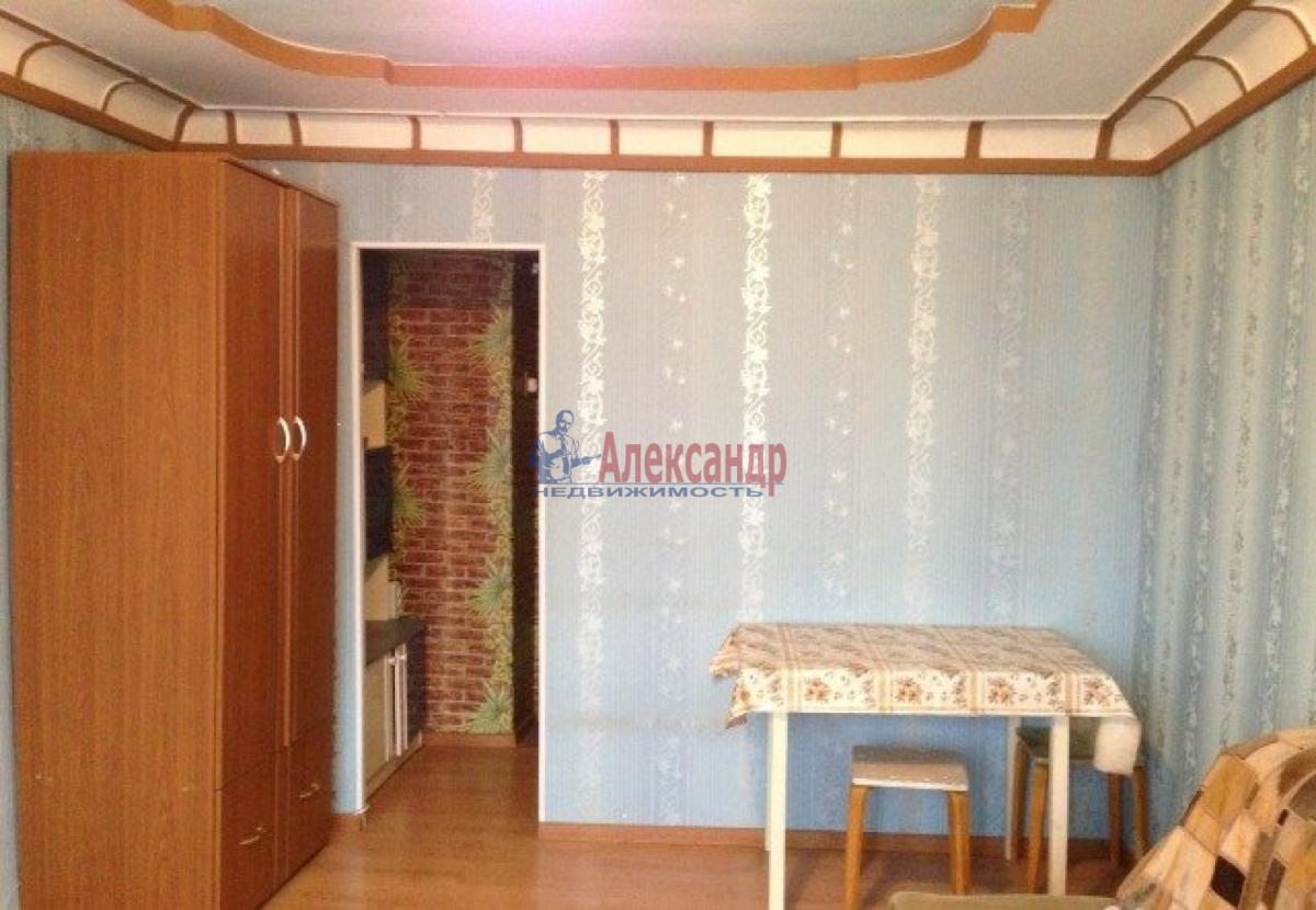 Комната в 3-комнатной квартире (75м2) в аренду по адресу Гаванская ул., 33— фото 1 из 3